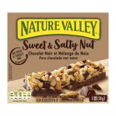 Nature Valley Muesli with sweet peanuts and salted chocolate bars